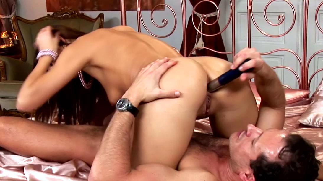 русское порно мужчина с женщиной с использованием игрушек