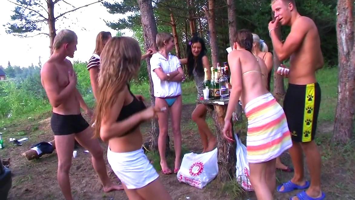 Русские порн ролики студенты на природе