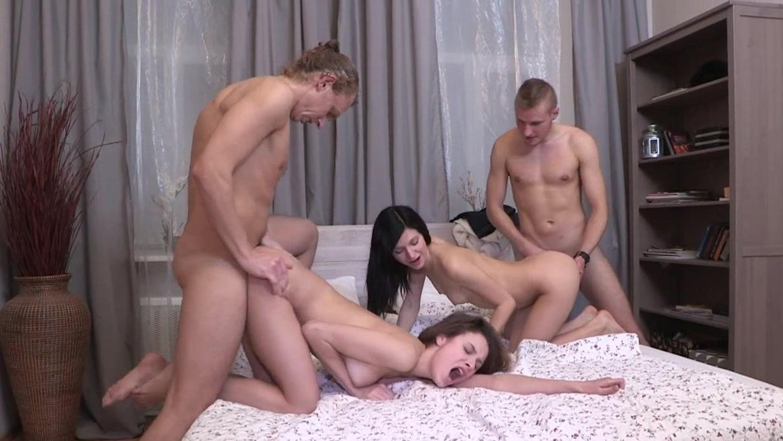 Красивый домашний русский секс вчетвером — photo 6