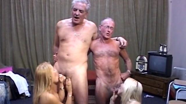 в рот старик порно блондинки