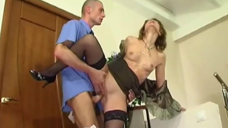 смотреть порно доставщик пиццы с хозяйкой