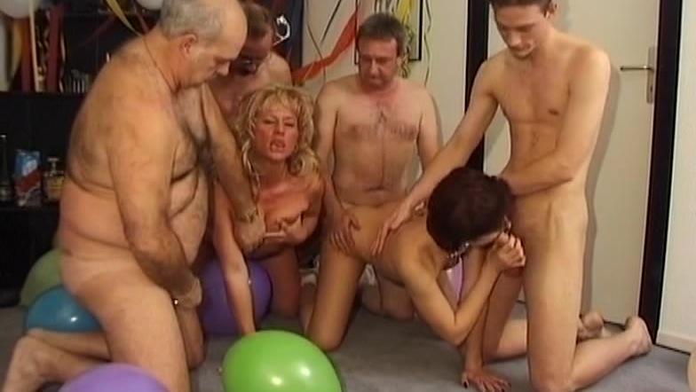 porno-vecherinki-dlya-starushek