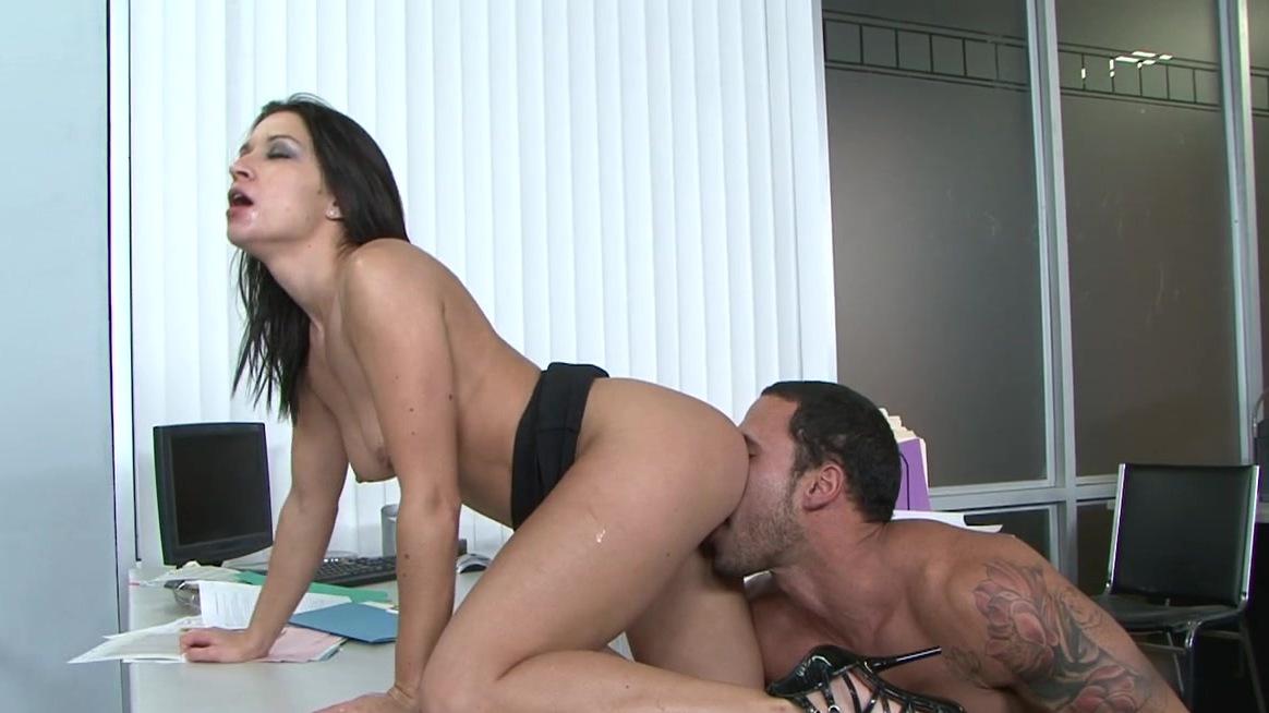 Carlo Carrera Licking Pussy