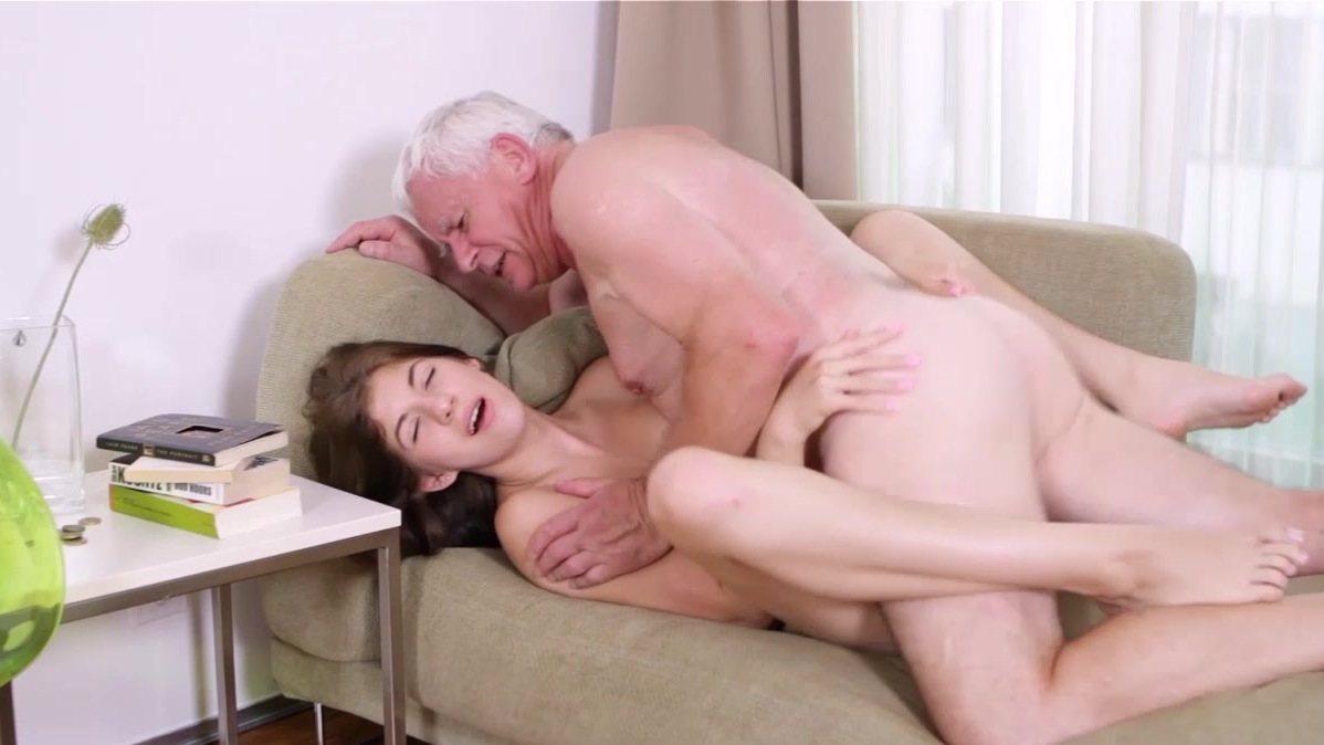 старик лижет киску до оргазма порно онлайн