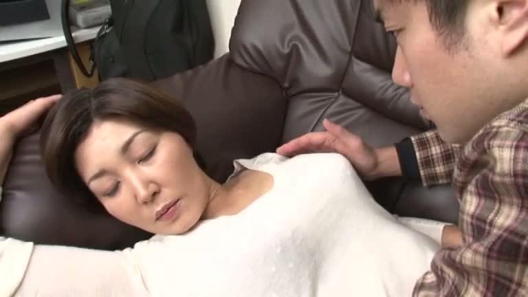japanese-mature-sleep-porn