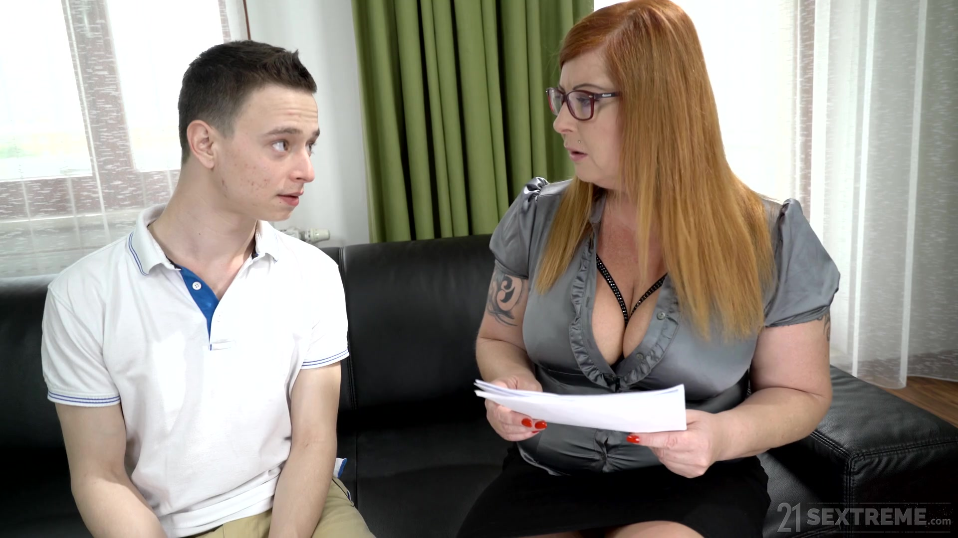 21 Sextreme Porno Net chubby woman spreads legs for a young boy to fuck her - hell