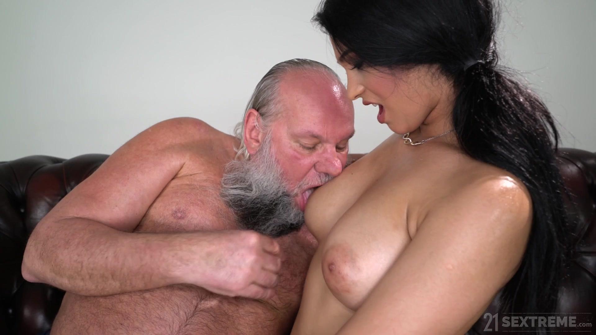 21 Sextreme Porno Net busty young ava black hard fuckeda senior man - hell porno