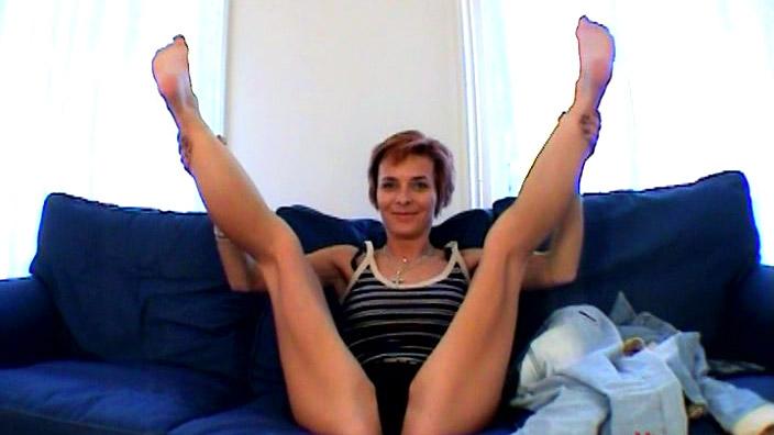 Русская баба захотела и раздвинула ноги97