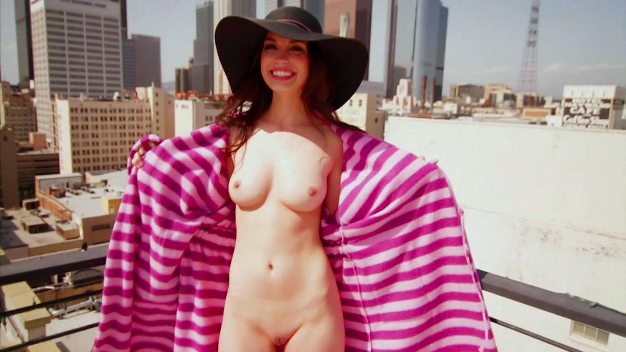 Nude pamela horton American YouTuber
